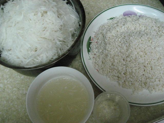 2.作蘿蔔糕ㄉ在來米1斤(舊米) .洗淨泡水1天.用時瀝乾水