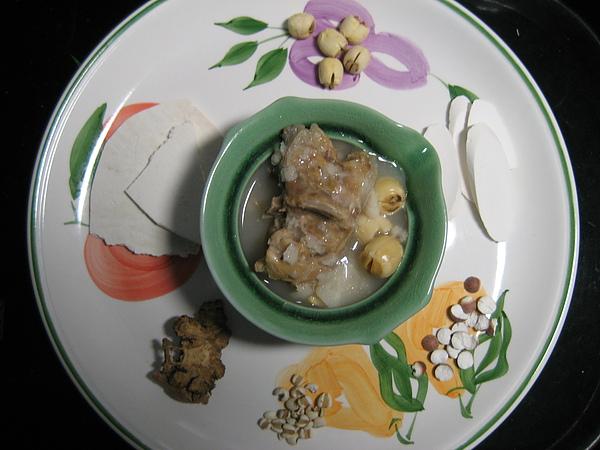 健康養生【飲食篇- 燉補食物】:四神湯-簡單ㄉ溫補美食試合所有體質!!(上班族四神湯簡易悶燒鍋或電鍋食譜)