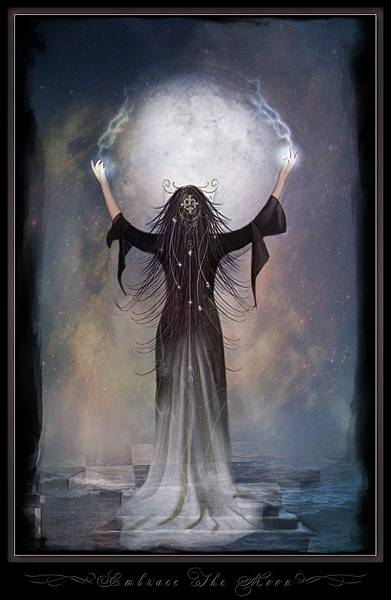 Moon-Goddess-moon-4701526-985-1515
