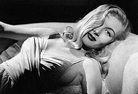 getty_rm_veronica_lake.jpg