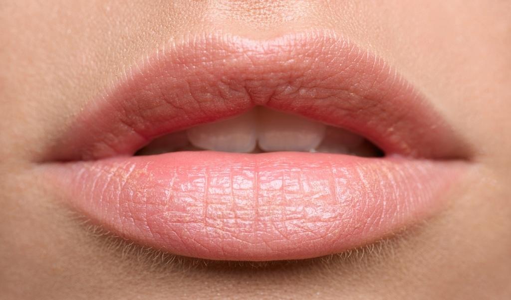 bibir-lembab.jpg