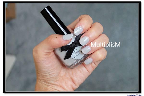 ciate Very Colourfoil Manicure.jpg