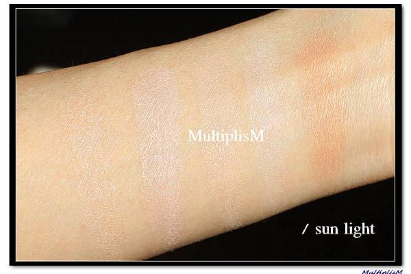 hourglass Ambient Lighting Palette & Powder swatch2.jpg
