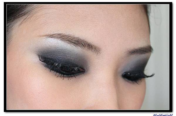 SMOKEY eye makeup 2.jpg