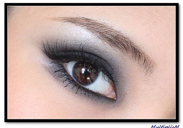 SMOKEY eye makeup 3.jpg