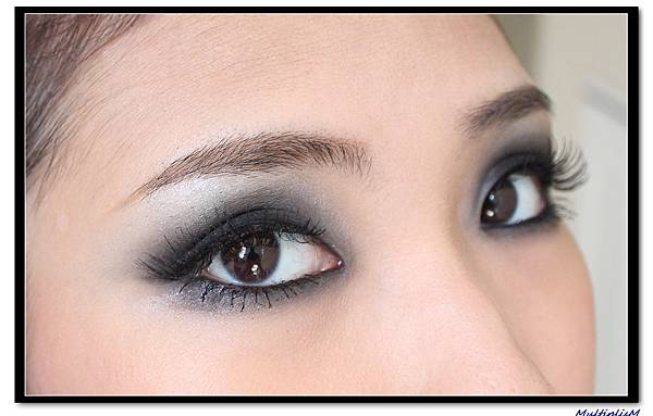SMOKEY eye makeup.jpg
