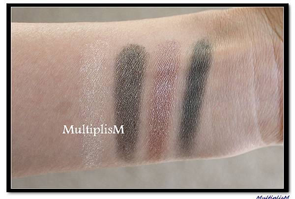 GUCCI EYESHADOW QUAD serpentine envy swatch2.jpg