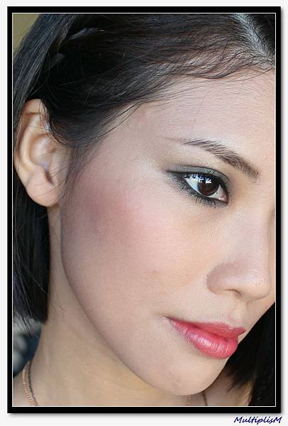 GUCCI EYESHADOW QUAD serpentine envy look2-3.jpg