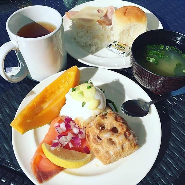 hyatt waikiki breakfast.jpg