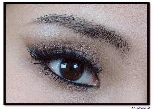 ariana grande eye makeup.jpg