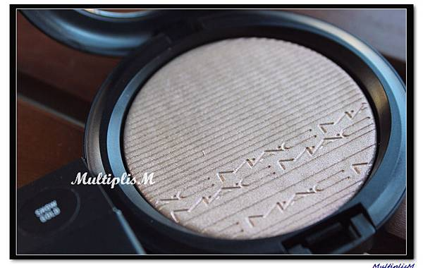MAC EXTRA DIMENSION SKINFINISH show gold.jpg