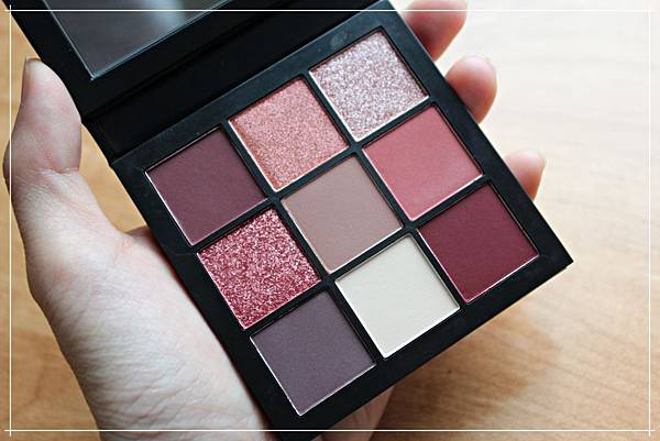 huda beauty obsessions mauve eyeshadow.jpg