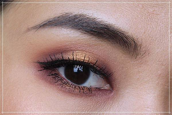 huda obsessions warm brown eye.jpg