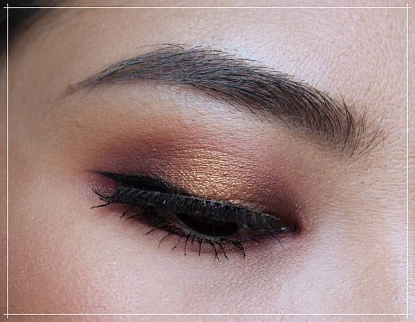 huda obsessions warm brown.jpg