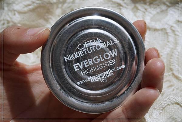 ofra NIKKIETUTORIALS EVERGLOW HIGHLIGHTER_back.jpg