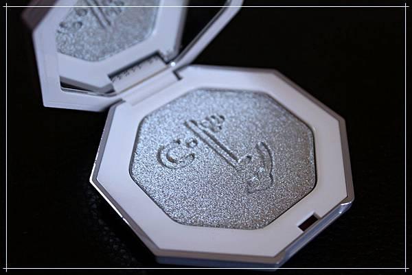 fenty beauty clf highlighter diamond ball out_2.jpg