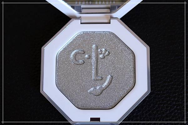 fenty beauty clf highlighter diamond ball out_3.jpg
