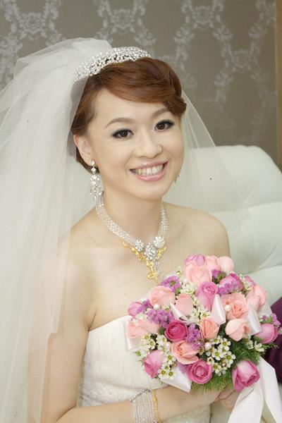 方瑜新娘的白紗造型