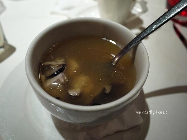 蕈菇鮮雞湯.JPG