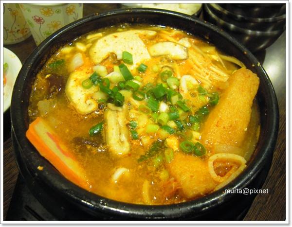 泡菜海鮮鍋.JPG