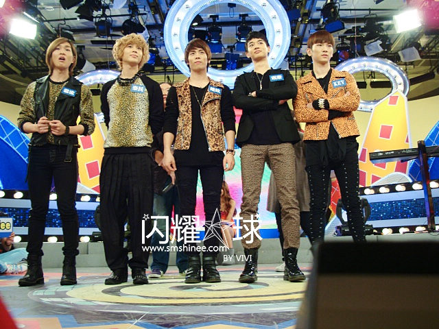 10/11/04 SHINee 八大娛百錄影