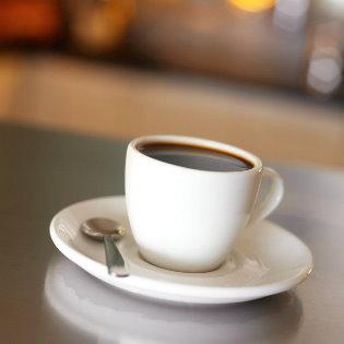 好瓷杯才能裝好咖啡 !