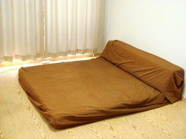 bed05.jpg