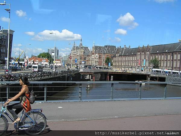 阿姆斯特丹市區和辣妹