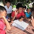 好學的柬埔寨孩子「貓展昭」,無時無刻不和小臻切磋互動.JPG