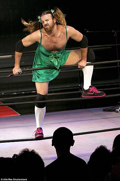 2A929DA900000578-3163168-Look_out_Ladybeard_takes_to_the_ring_in_Tokyo_as_he_combines_wre-m-7_1437017663648.jpg