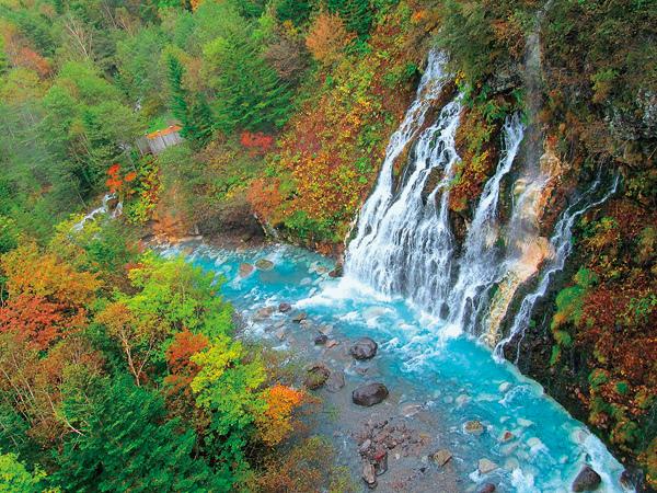 秋の白髭の滝