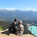 Big Beehive Trail 大蜂巢山步道眺望露易絲湖9.jpg