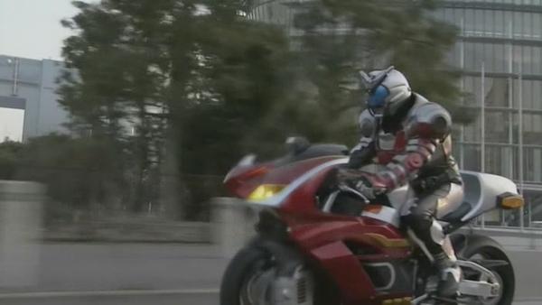 假面騎士Kabuto-05[(027702)20-50-04].JPG