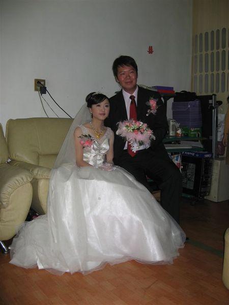 新娘子大姨真的好漂亮喔!
