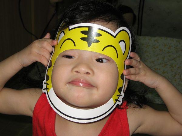 我是巧虎QQ~~(媽媽:『太用力了啦~臉都變形了』