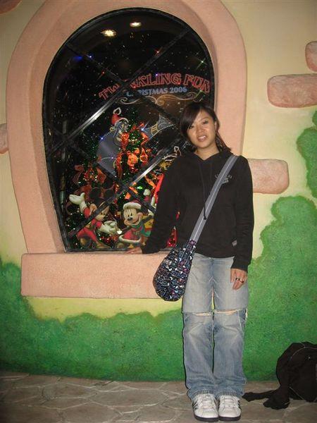 晚餐後到迪士尼商店逛逛