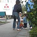 還看到了日本的媽媽帶著小朋友,每個小朋友都很小一隻,又很可愛