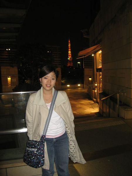從這可以看到遠方一整個東京鐵塔,是滿美的~
