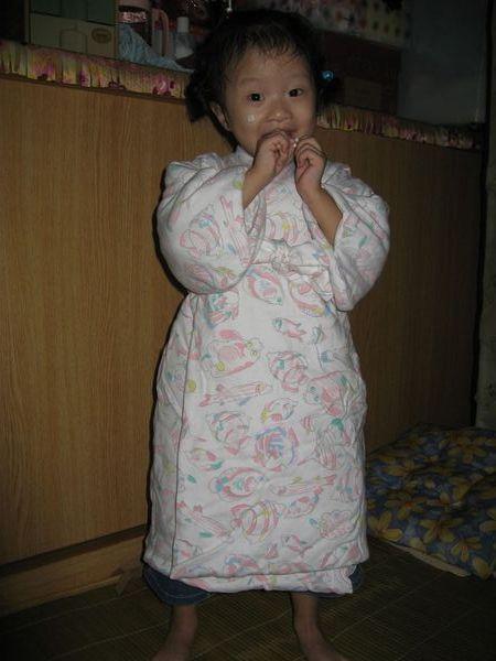 這是宜蘭奶奶在我出生買給我的睡袍~~