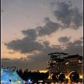 (7)餘暉 飛機雲 入夜的美麗廣場