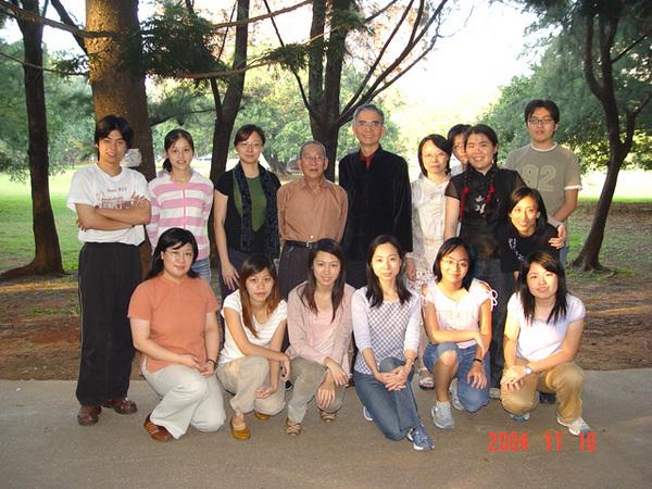 與陳多老師 同學們合照(3)