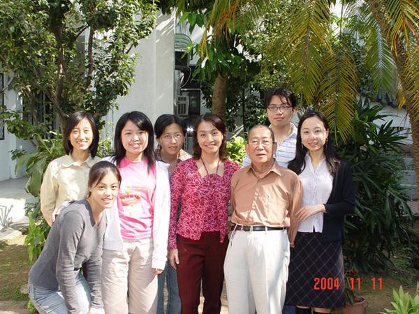 與陳多老師 同學們合照(5)
