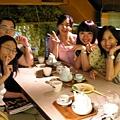 20050822 (19) 店員幫忙拍的合照.JPG