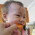 20120905-01-一歲了還是亂吃-002