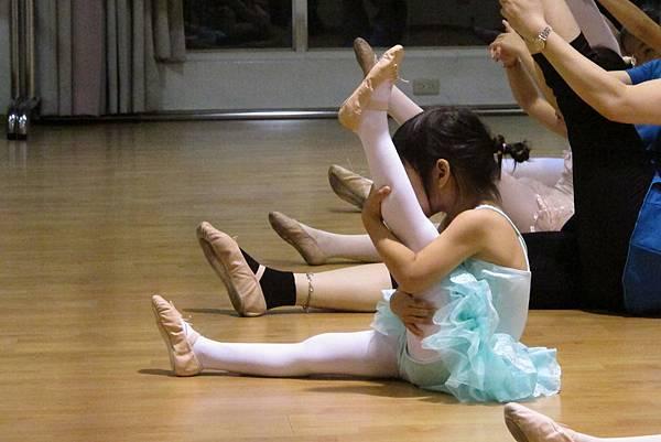 20161116-卯第一堂芭蕾課-022.JPG