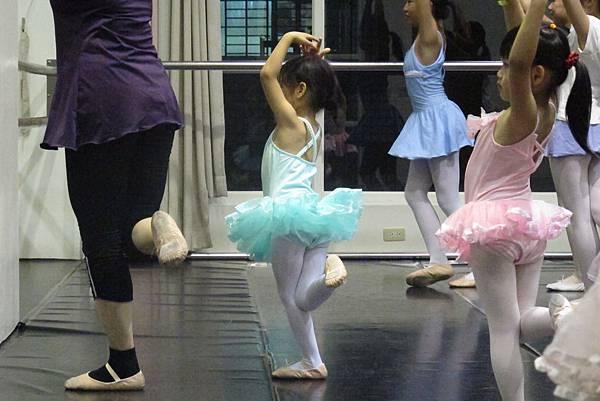20161119-卯第二堂芭蕾課-011.JPG