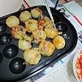 20110522-章魚燒烤盤啟用做豬肉丸-011.JPG