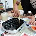 20110522-章魚燒烤盤啟用做豬肉丸-007.JPG