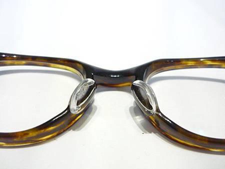 這是小弟我自己的眼鏡(萬年龜)!!!