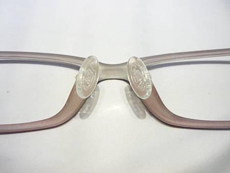 TR90的鏡框也能改鼻墊喔!!!(Rior)